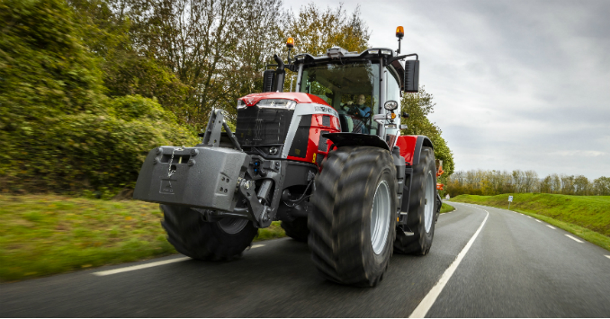 Massey Ferguson MF 8S.265 Dyna E-Power Exclusive gewinnt Tractor Of The Year 2021